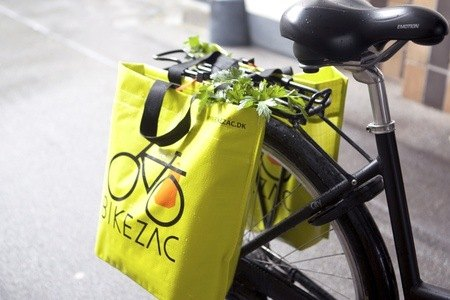 bike with shopping bags