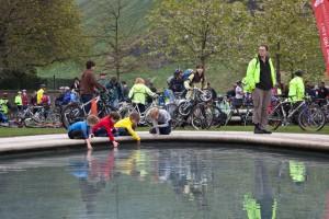 Children in the fountain