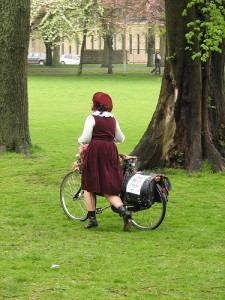 Cycle Chic woman