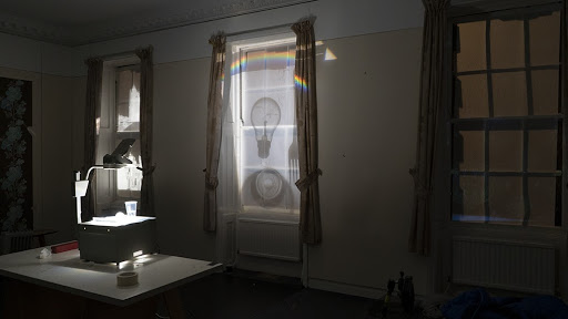 Window projection using overhead projector